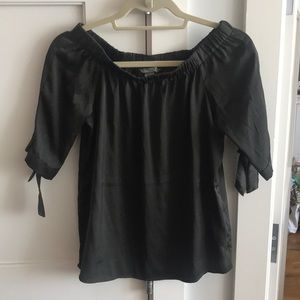 Off The Shoulder Blouse Olive Color (S)